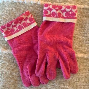 COACH wool pink gloves